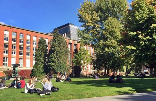 イギリスの大学のキャンパス