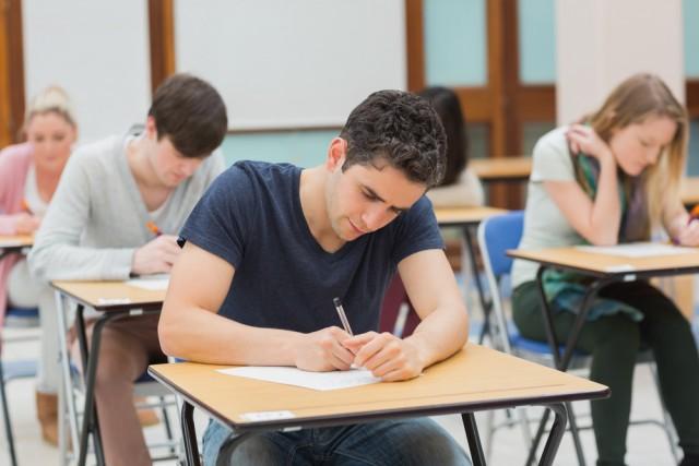 イギリスの大学の期末試験