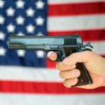 スーパーで買える拳銃、キャンパスを闊歩する特殊部隊 アメリカの銃事情
