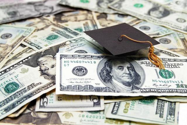 アメリカ大学留学費用