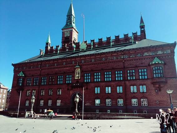 町中が可愛すぎる!スウェーデンのイースター体験