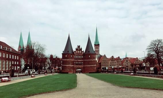 ドイツのホルステン門