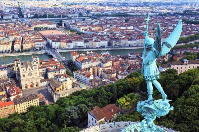 フランス リヨンで留学