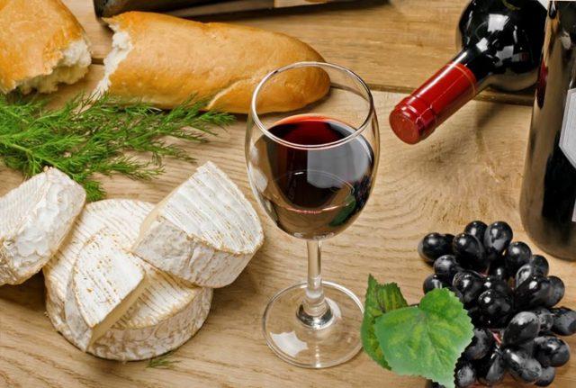 フランス ホームステイ先でワインを堪能