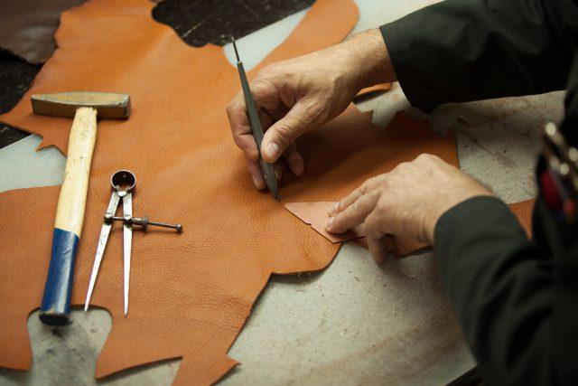 イタリア留学 革製品コース