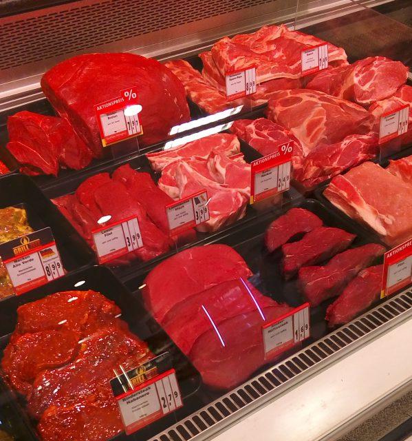 ドイツのスーパー お肉売り場