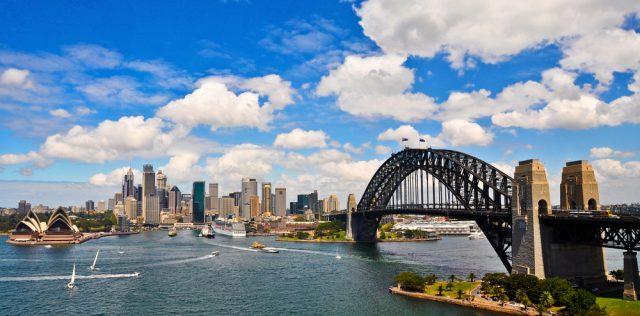 オーストラリア シドニーのハーバーブリッジ