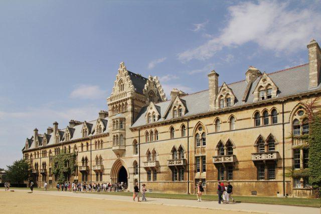 イギリス オックスフォード大学クライストチャーチカレッジ