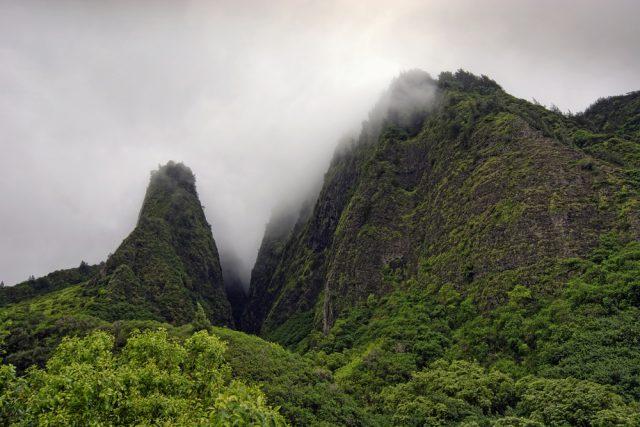 アメリカ ハワイ イアオ渓谷