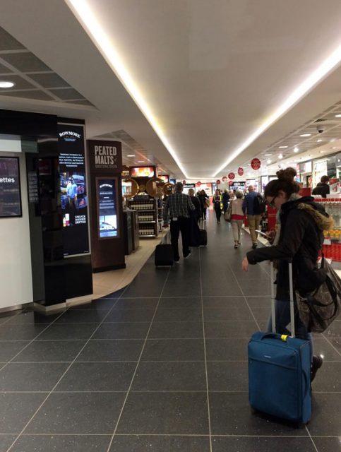 イギリス 空港の中の免税ショップ