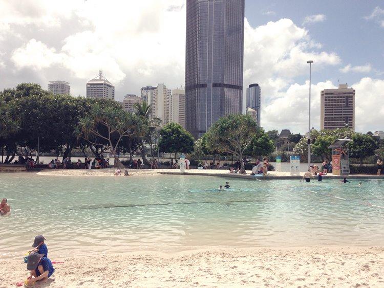 オーストラリア サウスバンクの人工ビーチ