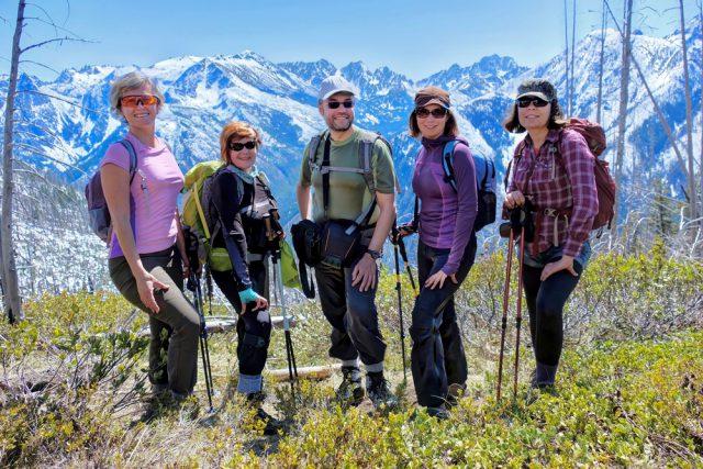 カナダのシニア留学でハイキング