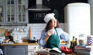 女性料理人