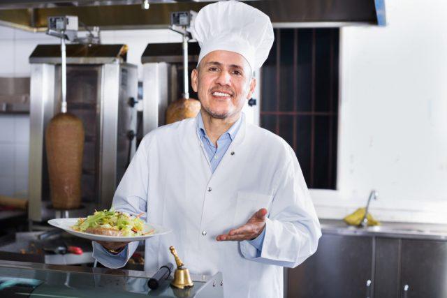 スペイン料理男性シェフ