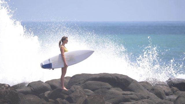 ニュージーランドでサーフィンが学べるスクール