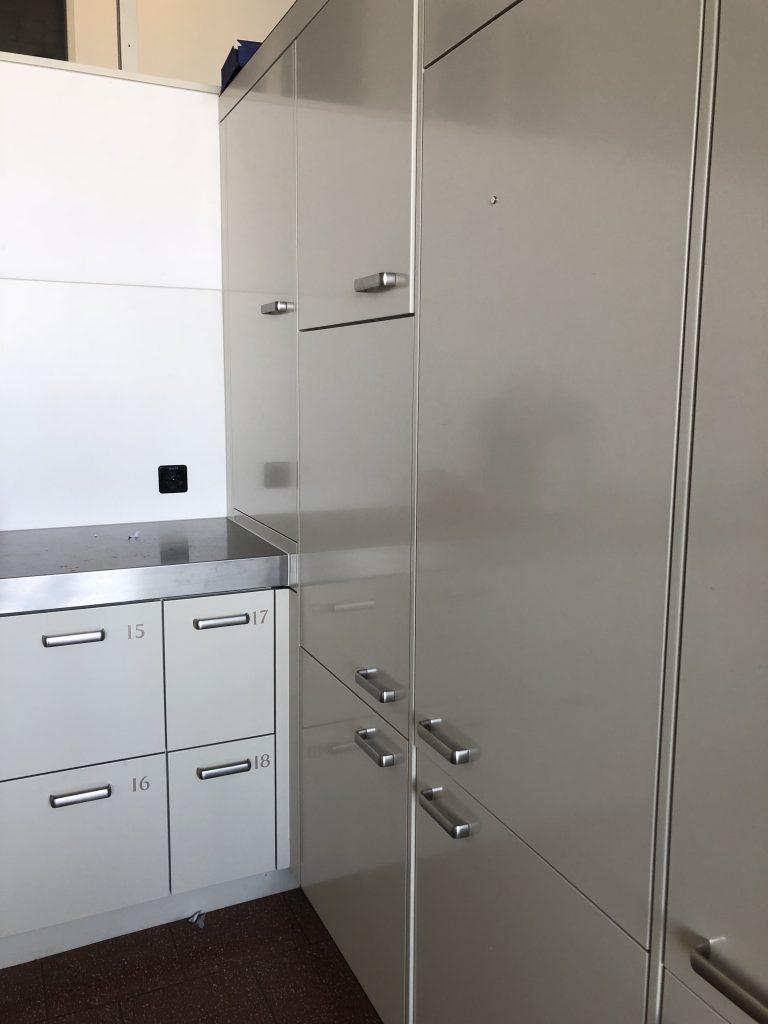スイスの寮のキッチン