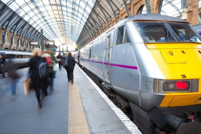 イギリス 電車