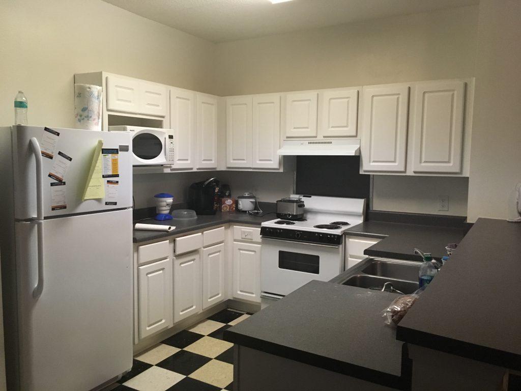 寮のキッチン