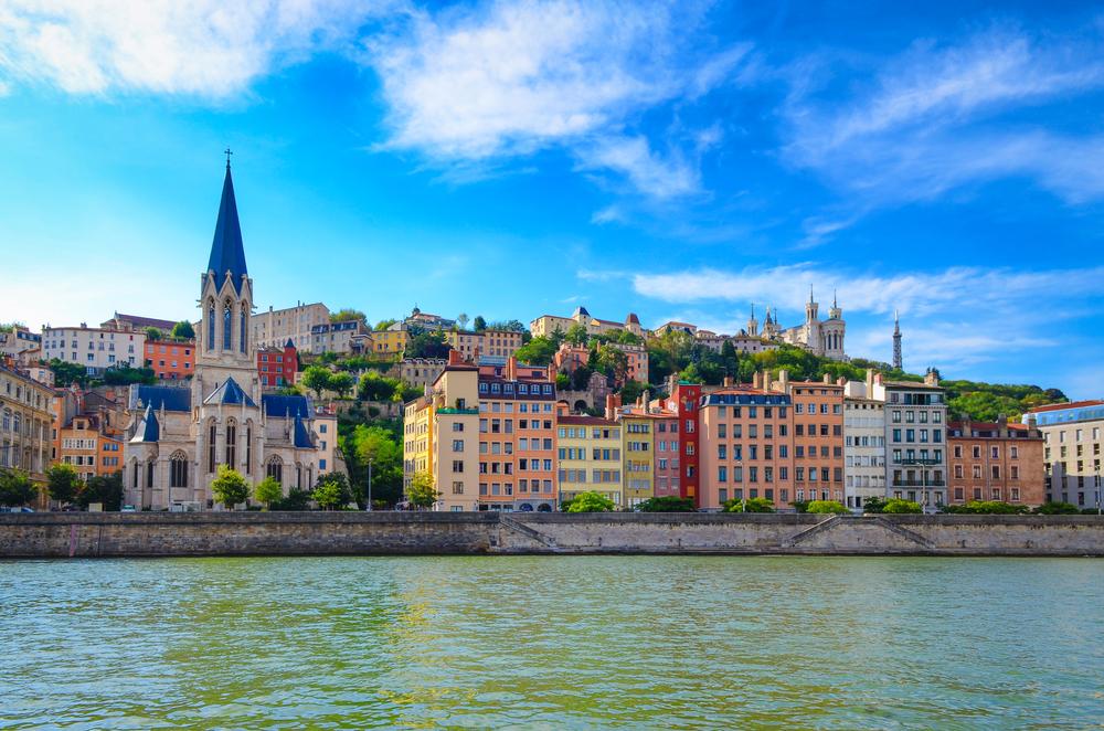 フランス リヨン3か月の語学留学費用