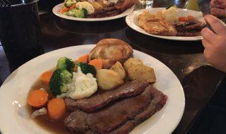 イギリスの伝統的なロースト料理