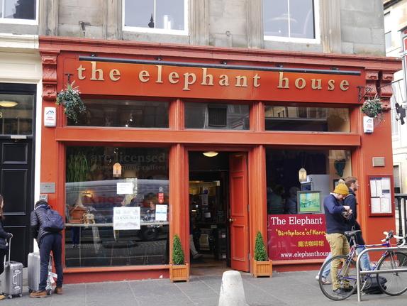 スコットランドのカフェthe elephant house