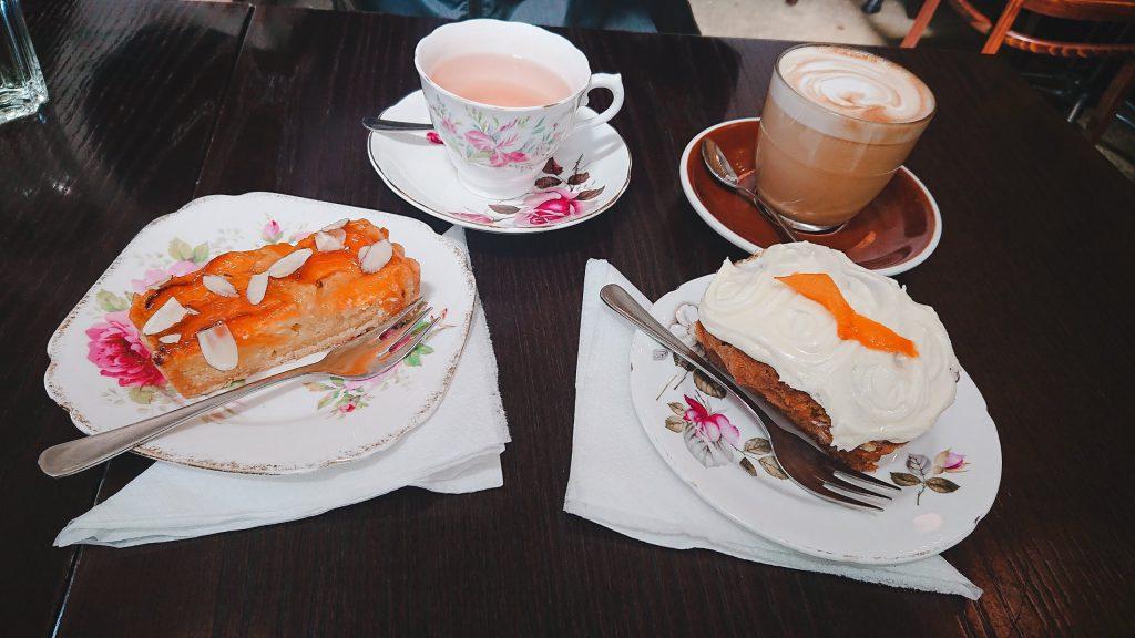 ニュージーランドのカフェFloriditasのケーキ