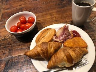 イギリスのホステル「ジェネレイターハウス」の食事