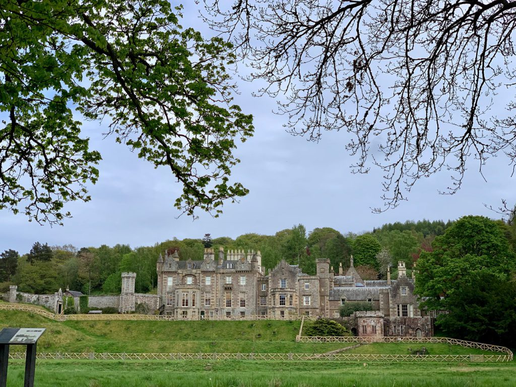 イギリスのウォルター・スコットの大豪邸