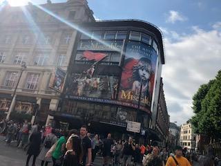 イギリス ロンドンで演劇鑑賞