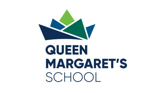 カナダの高校queen margarets school