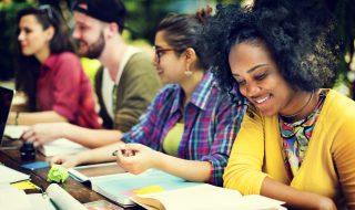 語学学校でネイティブと話す機会