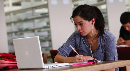カナダの高校には州の試験をパスしないと進学できない?
