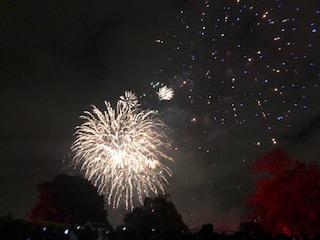 ロンドンの11月は花火を楽しめる