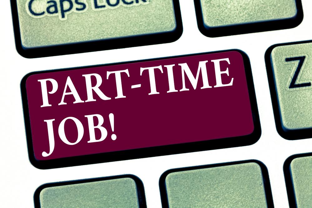 留学中のアルバイトはネットで探す