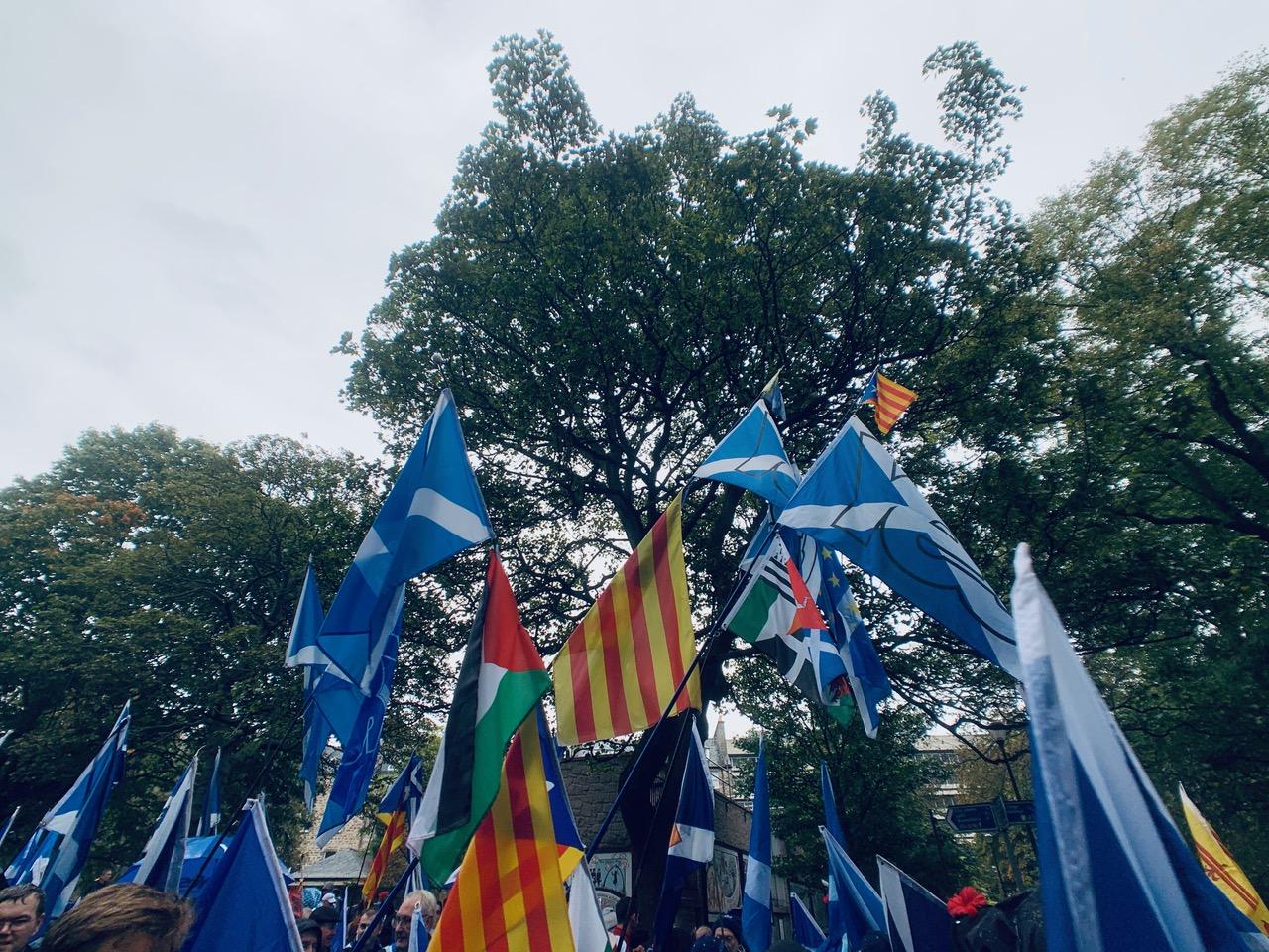 スコットランド独立運動マーチに参加