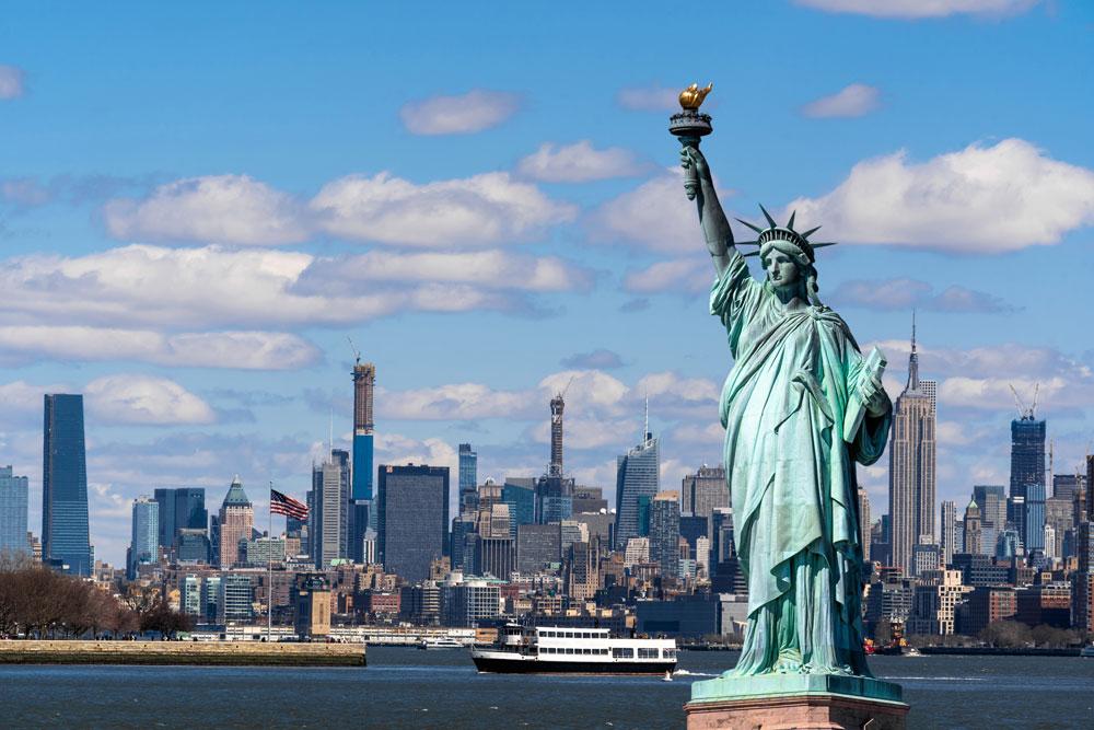 アメリカ留学委宙に、一度は行ってみたい観光名所 自由の女神