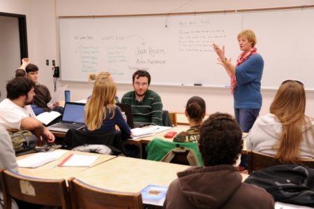 小さなコミュニティーの大学を選ぶデメリット
