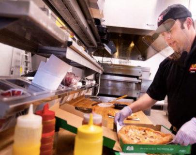 コロナ自粛中にバイト探し、働いて見たら?レストランに影響とは?