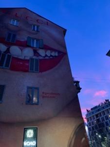 ミラノにあるGucci Wall Art