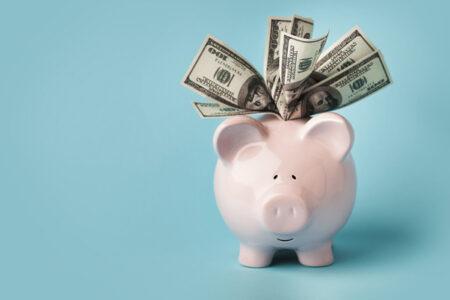 留学費用はどう抑える?おすすめのデビットカードは
